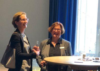 Carolin Möller; Monika Sandjon